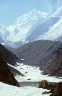 Road up to Badrinath, Himalayas (Iconographic document)