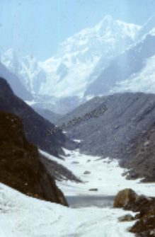 Way up to Badrinath, Himalayas (Iconographic document)
