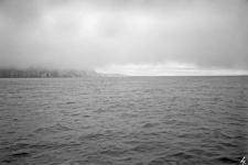 Spitsbergen : polska wyprawa glacjologiczna : widok na Wyspę Niedźwiedzią