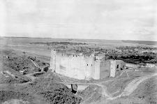 Miejscowość nieokreślona : ruiny zamku
